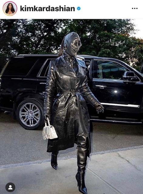 Η Kim Kardashianτραβάει τα βλέμματα!